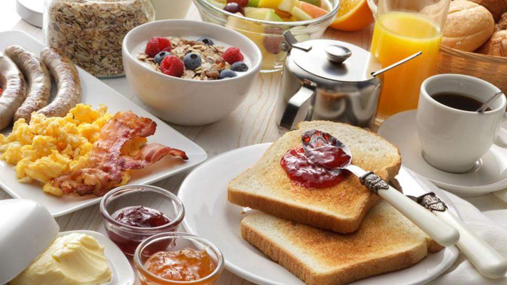 Czy śniadanie jest najważniejszym posiłkiem dnia?